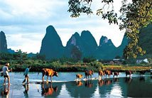 Guilin Reisen am Li Fluss im Sommer